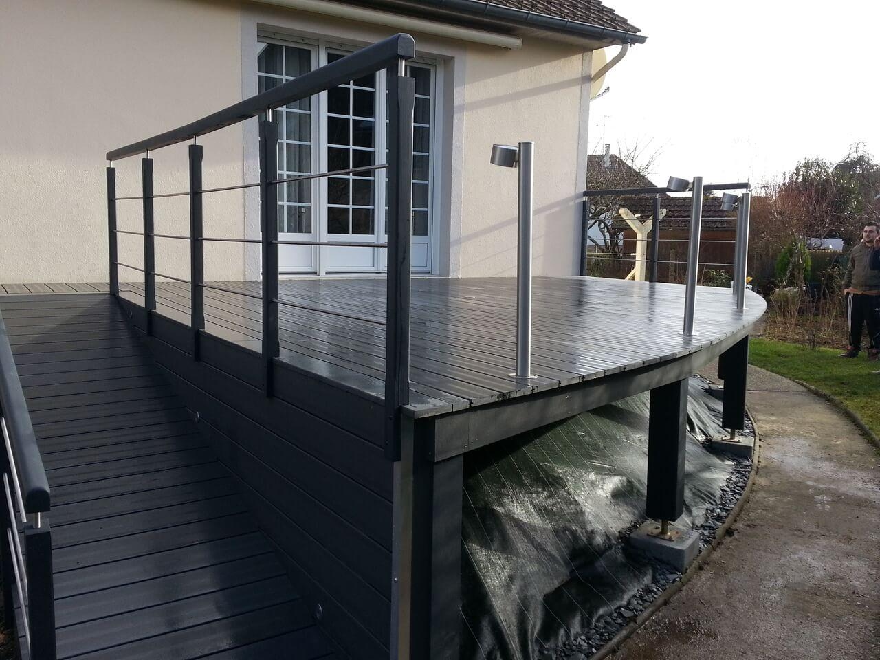création d'une terrasse en lame de bois